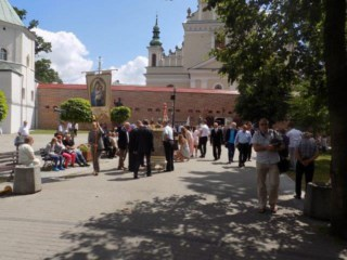 Getting ready for the procession at the Basilica of Our Lady of Lezajak