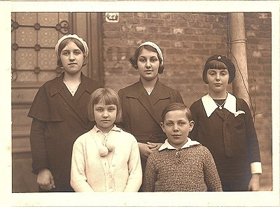 Beauraing children from offical site of the apparitions in Beauraing