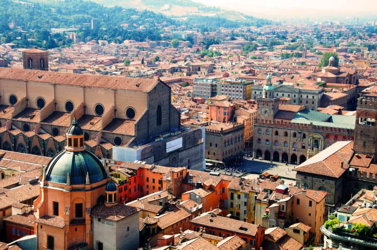Aerial view of Bologna_seen_from_Asinelli_tower