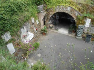 Entrance to the cave at Tre Fontane