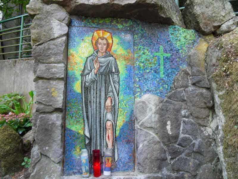 Closeup view of the Mosaic at the Shrine of Our Sorrowful Mother in Portland
