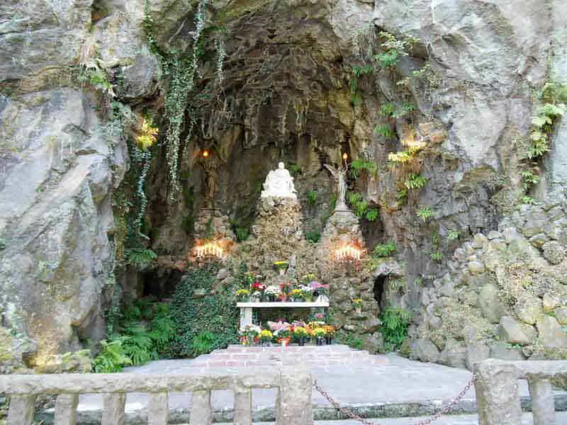 The altar, set in the Grotto at the Shrine of Our Sorrowful Mother in Portland, Oregon