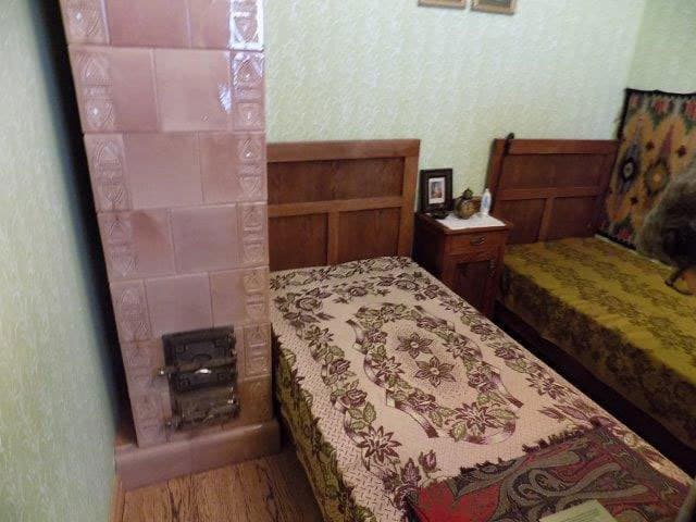 The simple bedroom where he lived