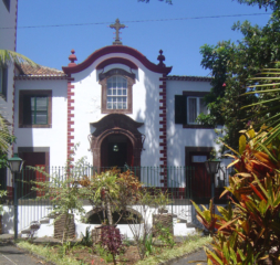 Exterior view of Capela de Penha da França church