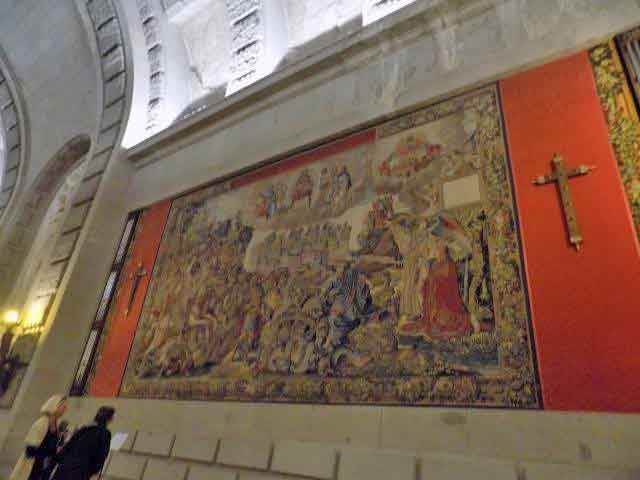 Closer look at the tapestries in the Basilica of the Valley of the Fallen