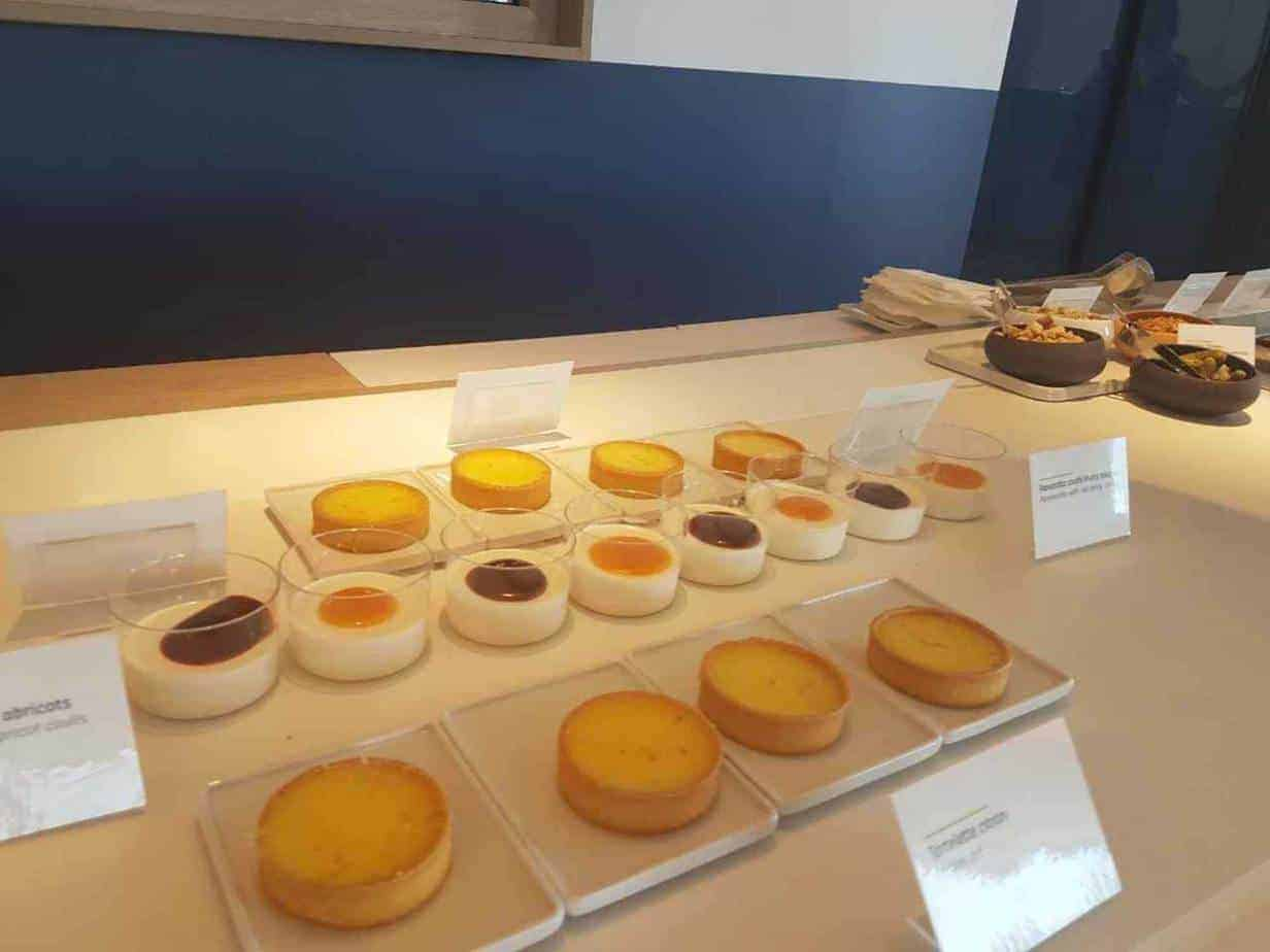 Some airport lounges offer fresh-baked pastries